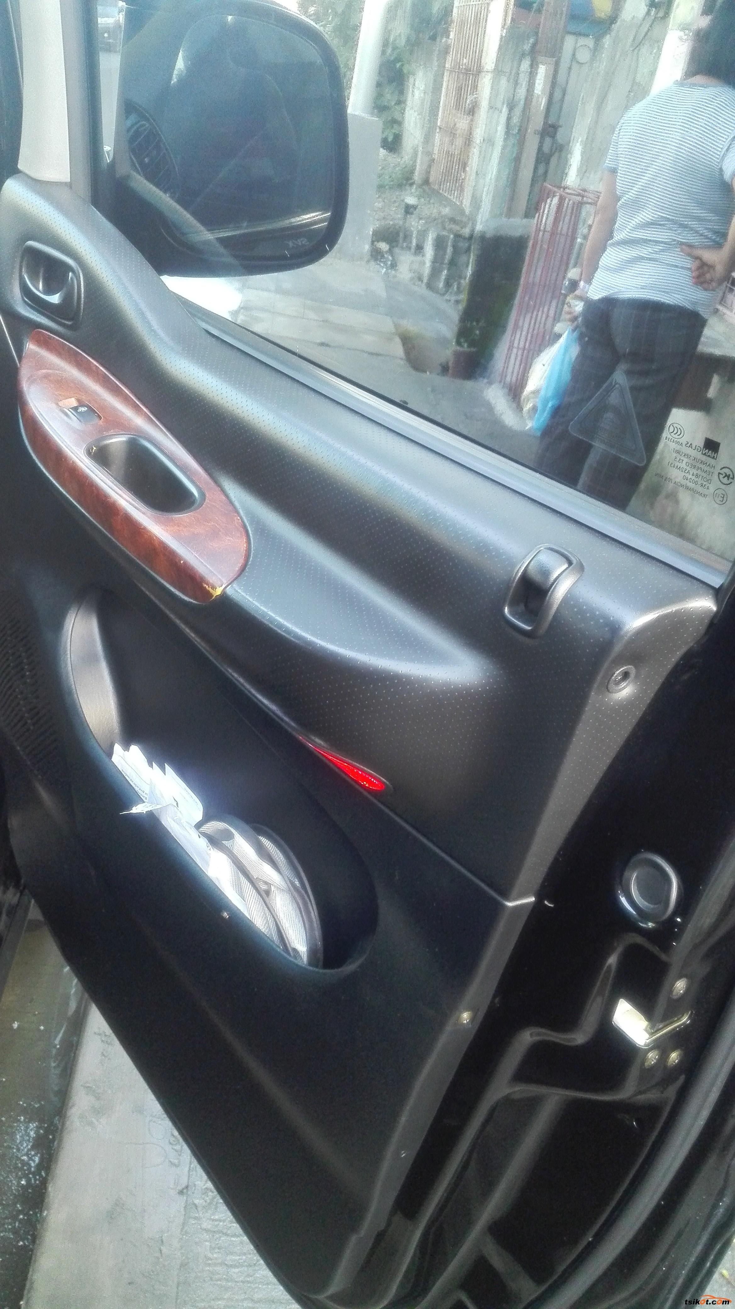 Hyundai Starex 2004 - 5