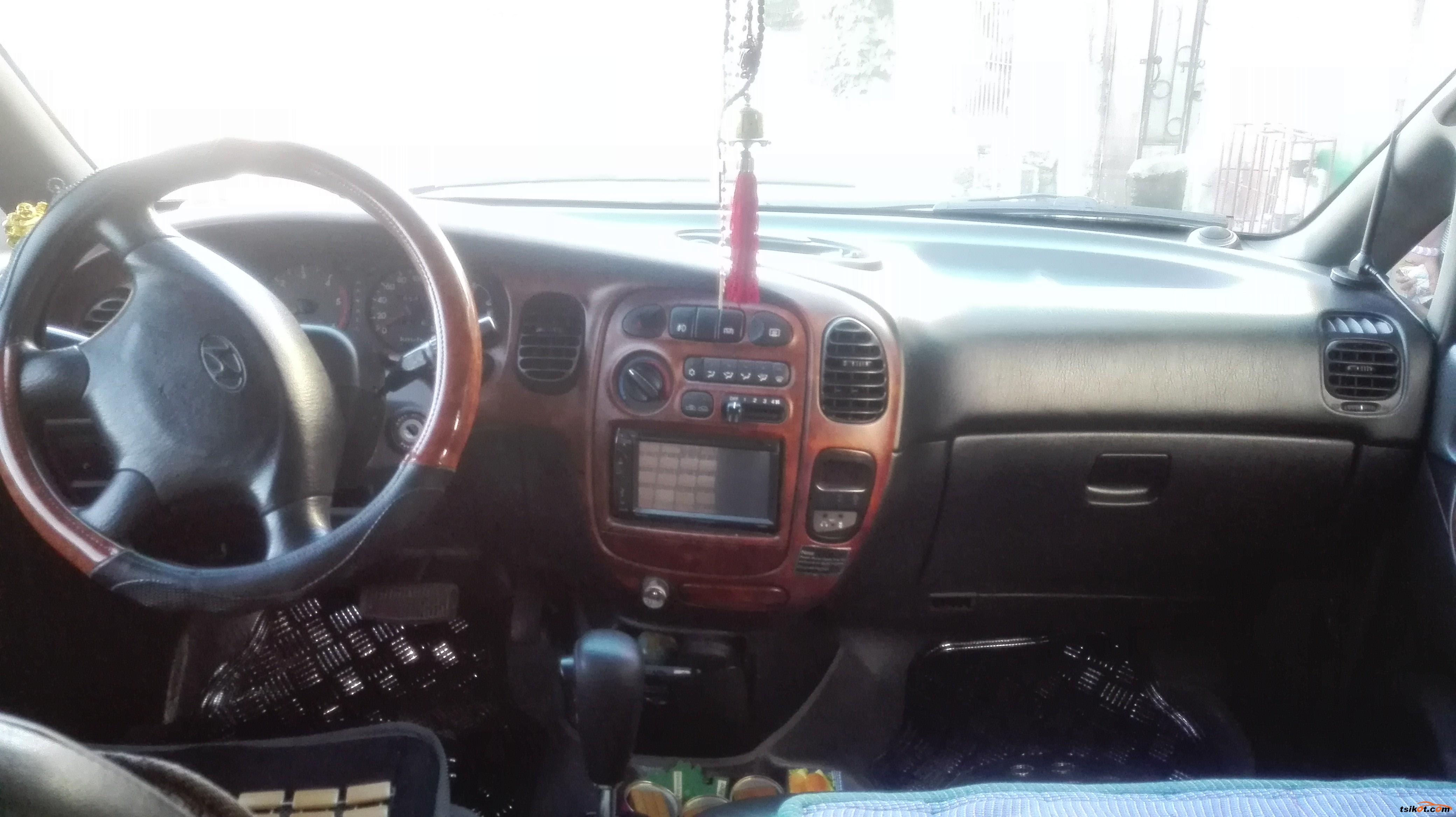 Hyundai Starex 2004 - 6