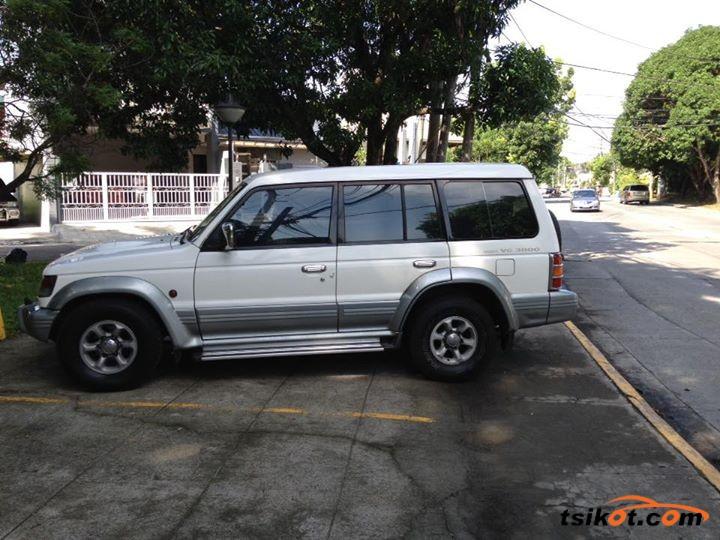 special lucky - Mitsubishi Montero 1998