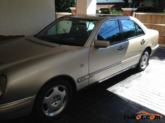 Mercedes-Benz E-Class 1997 - 1