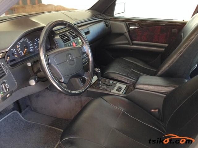 Mercedes-Benz E-Class 1997 - 2
