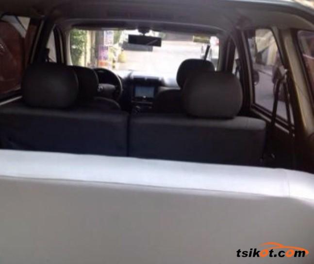 Toyota Avanza 2008 - 5