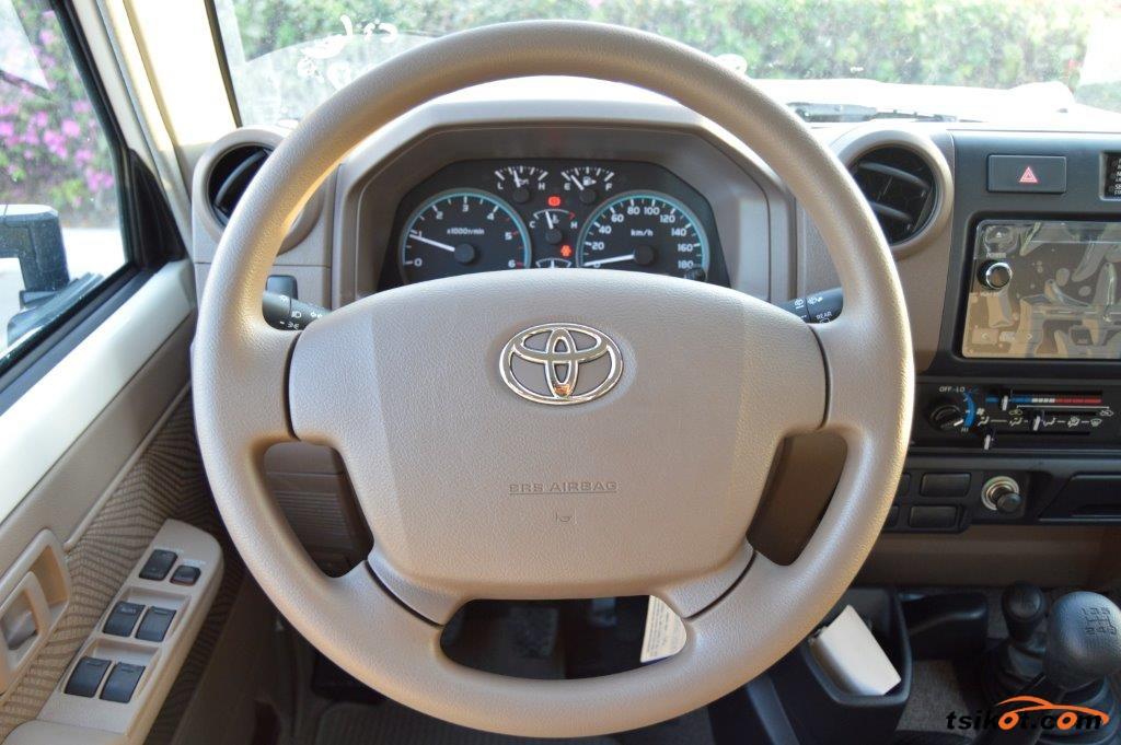 Toyota Land Cruiser 2017 - 4