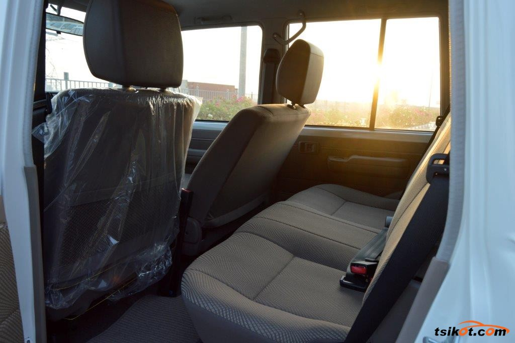Toyota Land Cruiser 2017 - 7
