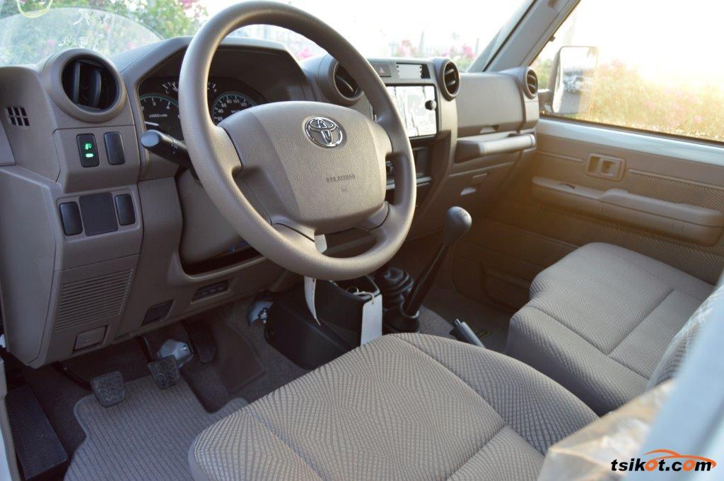 Toyota Land Cruiser 2017 - 8