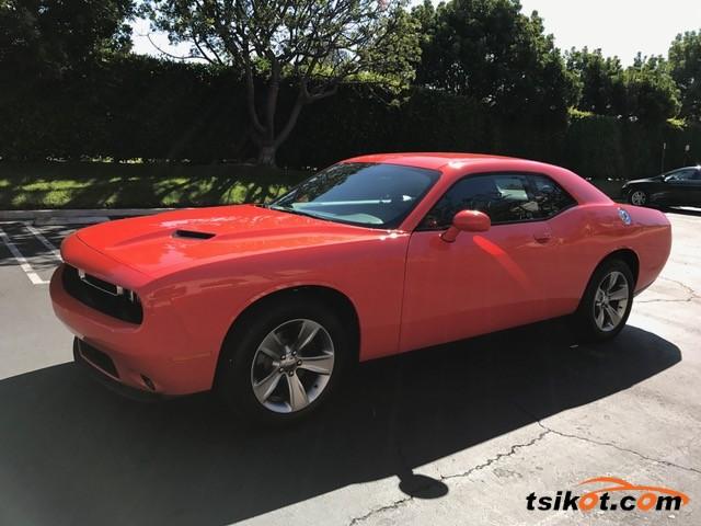 Dodge Challenger 2017 - 2