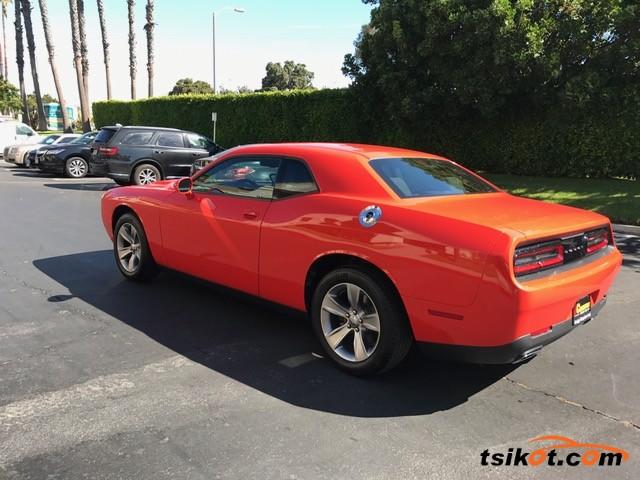 Dodge Challenger 2017 - 4