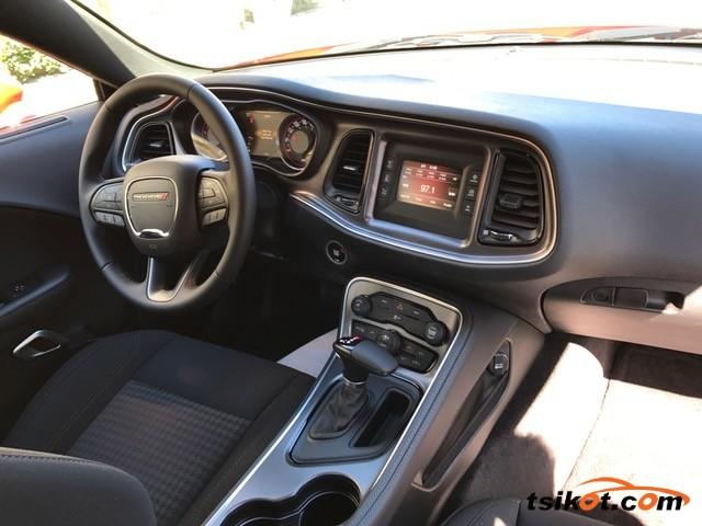 Dodge Challenger 2017 - 6