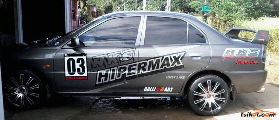 Mitsubishi Lancer 2012 - 4