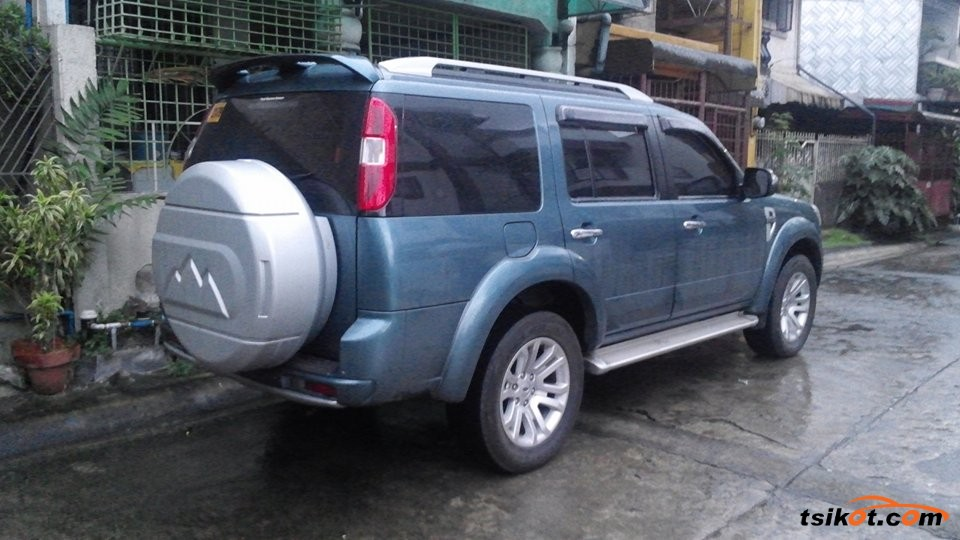 Ford Everest - 2