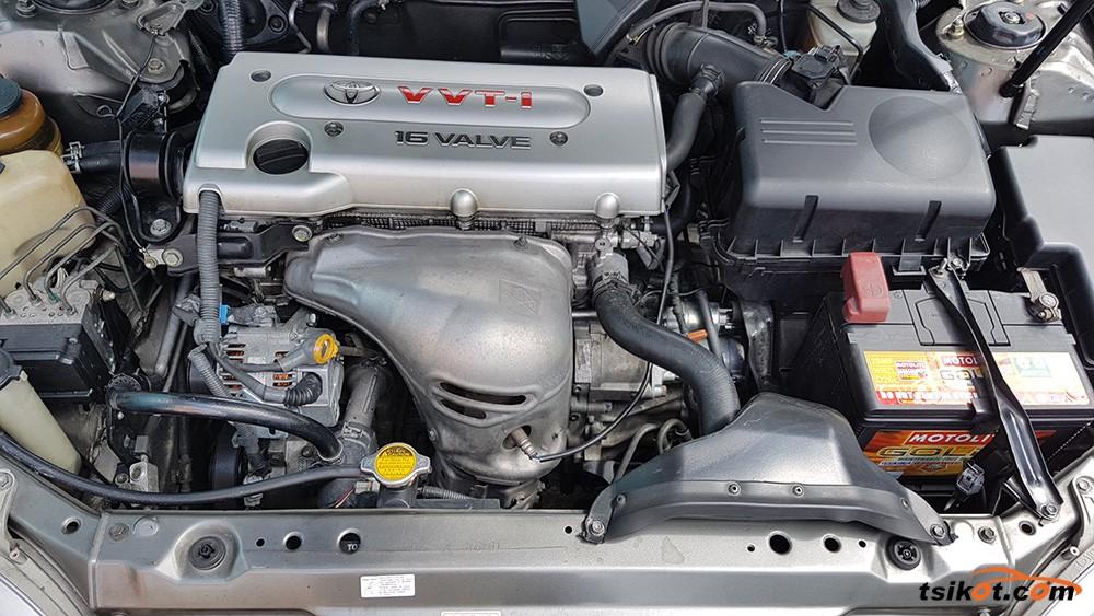 Toyota Camry 2004 - 5
