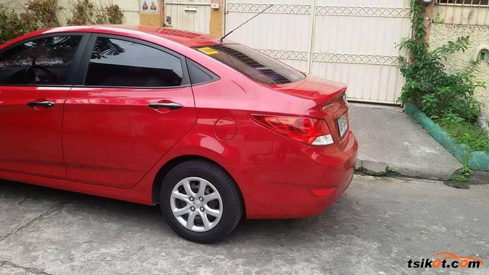 Hyundai Accent 2014 - 4