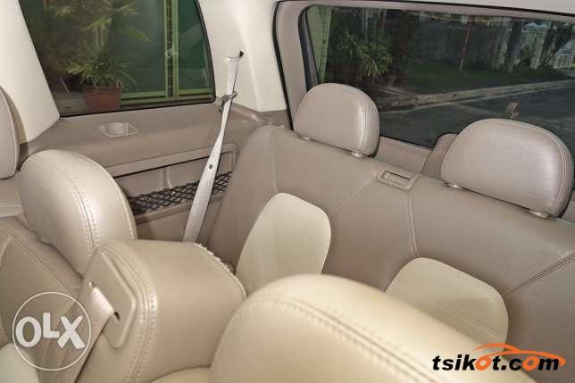 Ford Explorer 2005 - 7