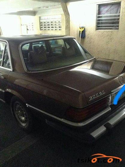 Mercedes-Benz 300 1979 - 1