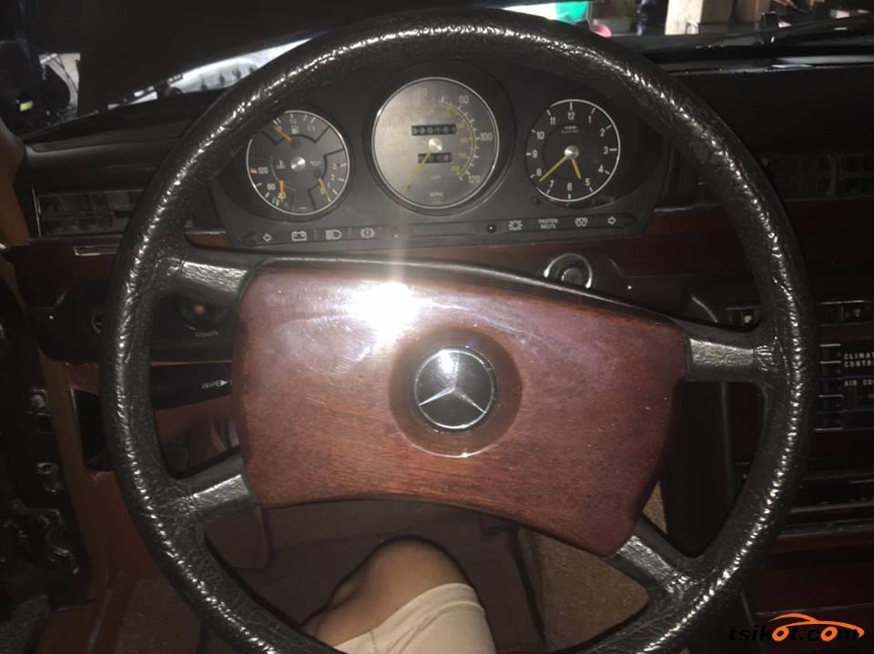 Mercedes-Benz 300 1979 - 6