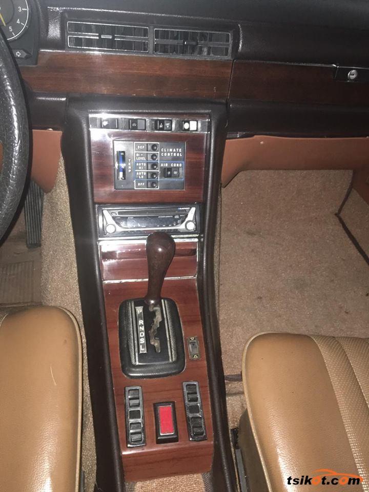 Mercedes-Benz 300 1979 - 7