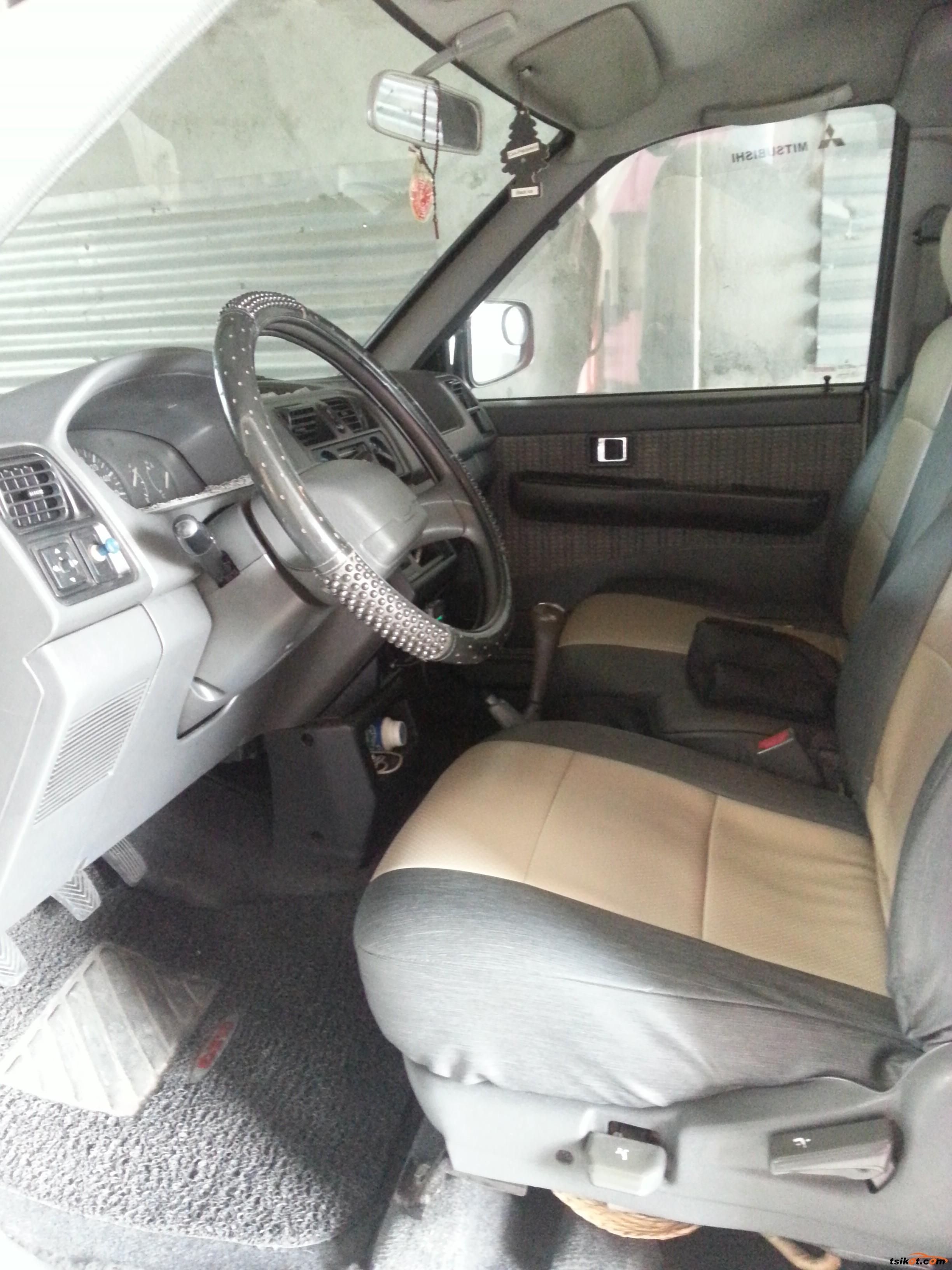 Mitsubishi Adventure 2002 - 5