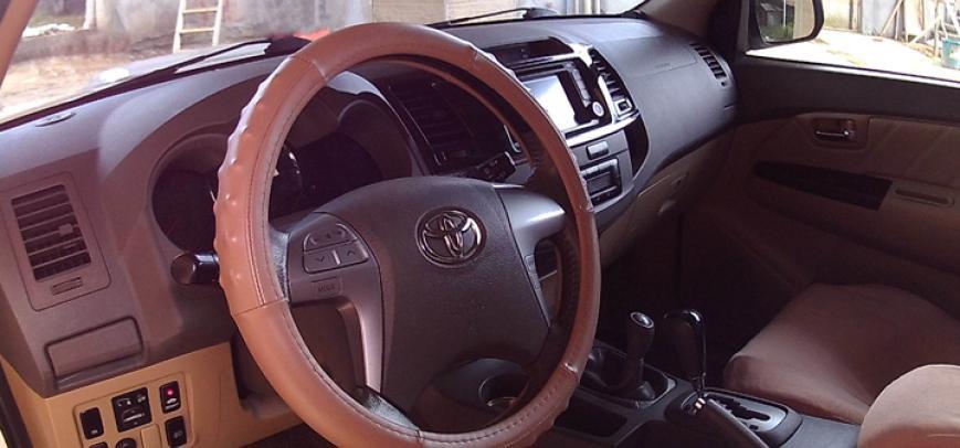 Toyota Fortuner 2012 - 19