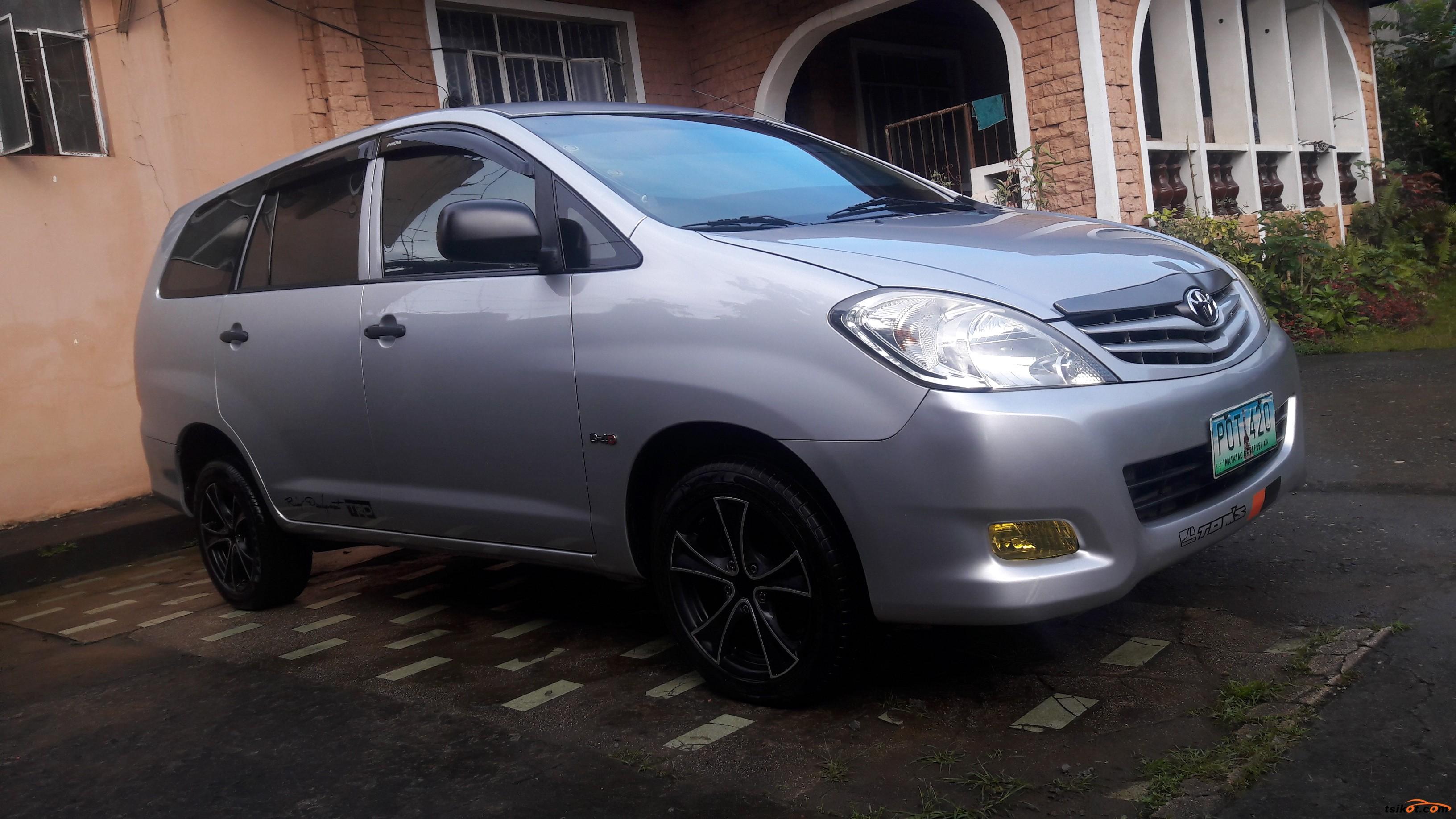 Toyota Innova 2011 - 1
