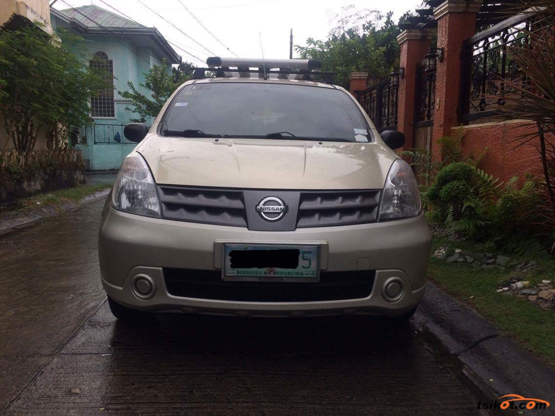 Nissan Grand Livina 2010 - Car for Sale Metro Manila