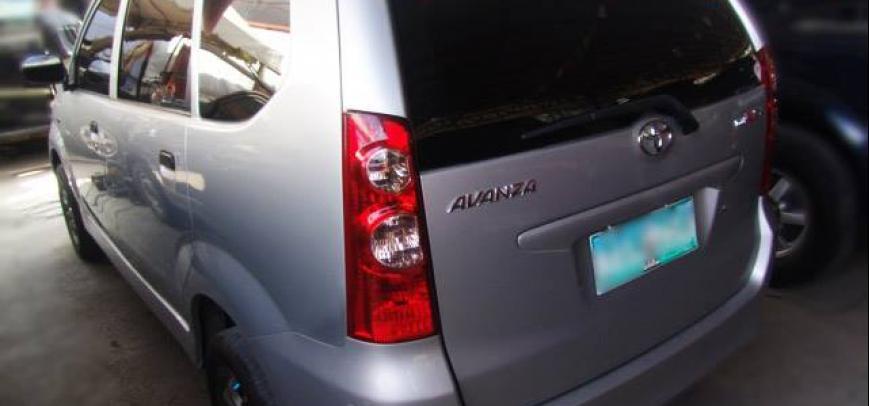 Toyota Avanza 2010 - 8