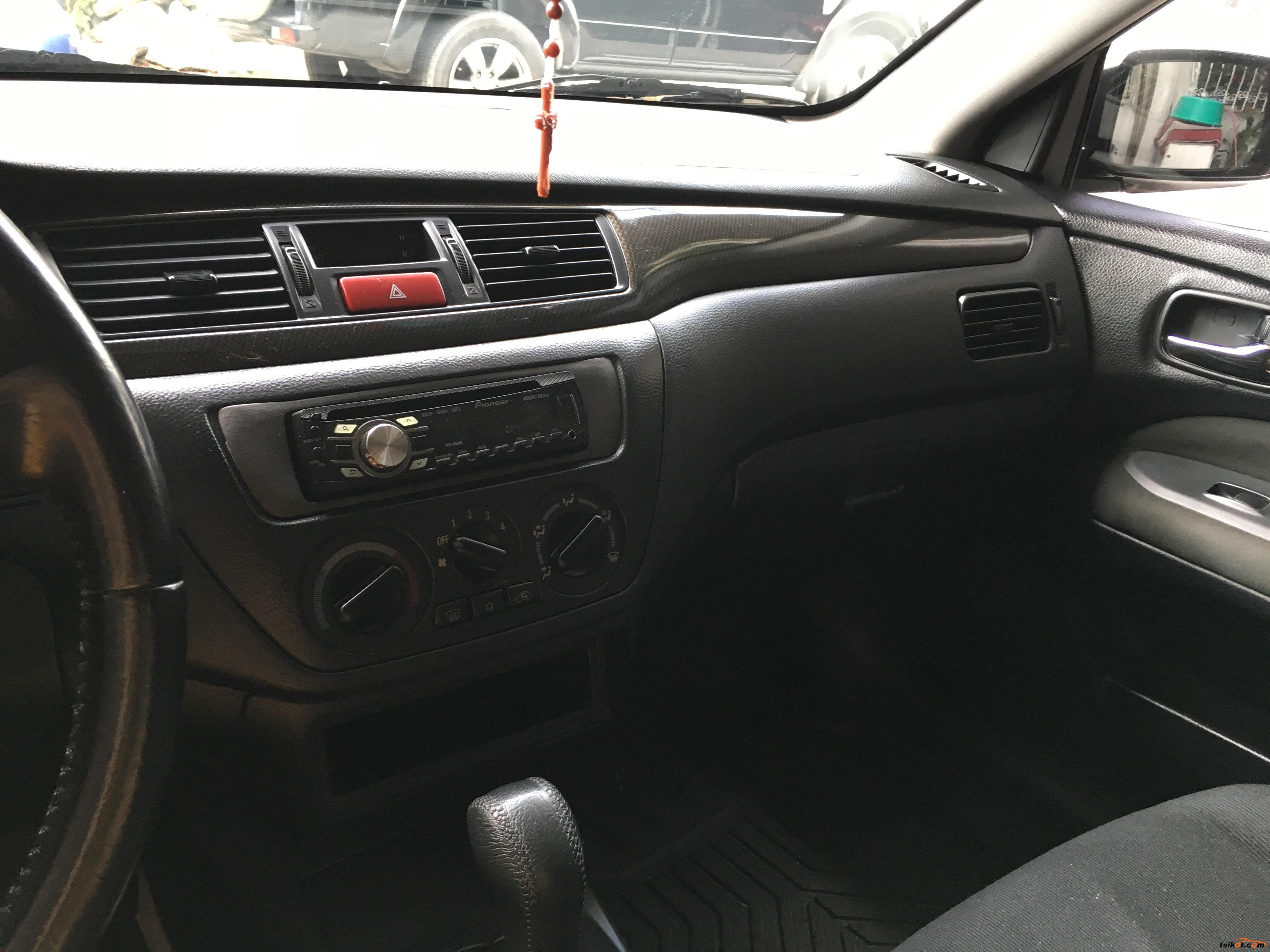 Mitsubishi Lancer 2012 - 8