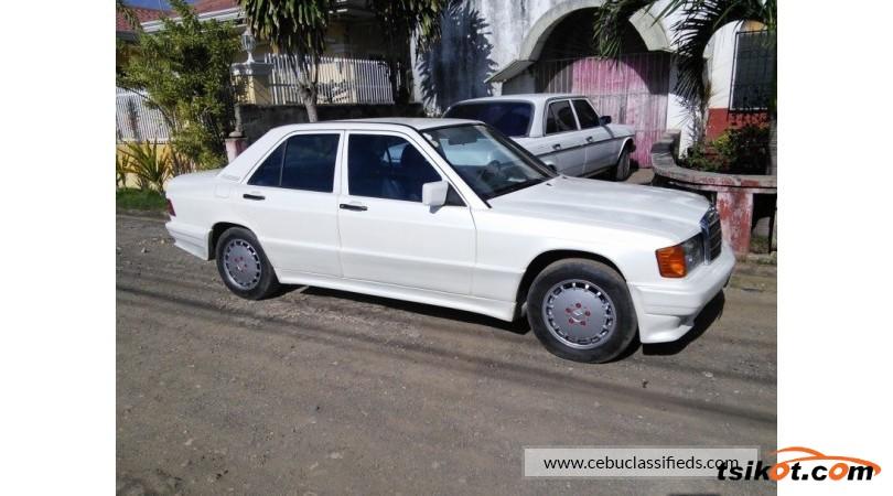 Mercedes-Benz 190 1988 - 3