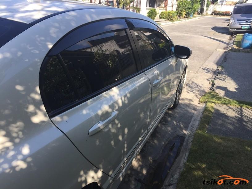 Honda Civic 2010 - 4