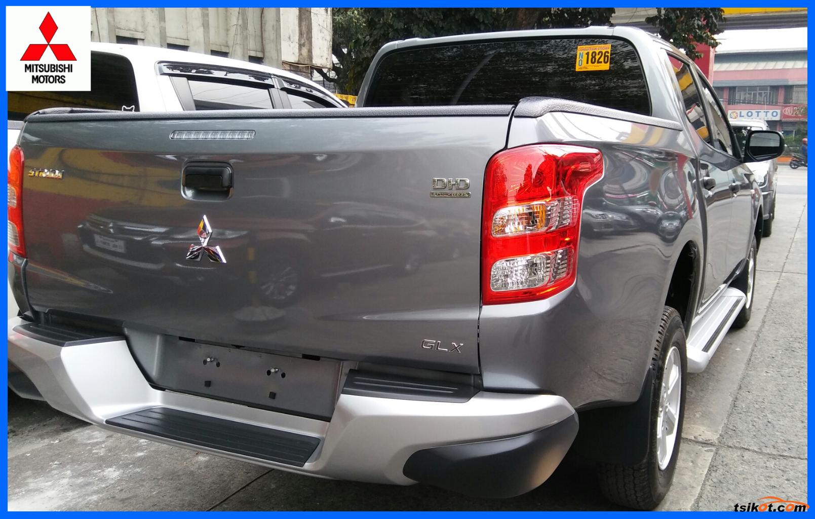 Mitsubishi Strada 2017 - 3