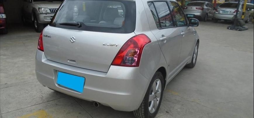 Suzuki Swift 2009 - 4
