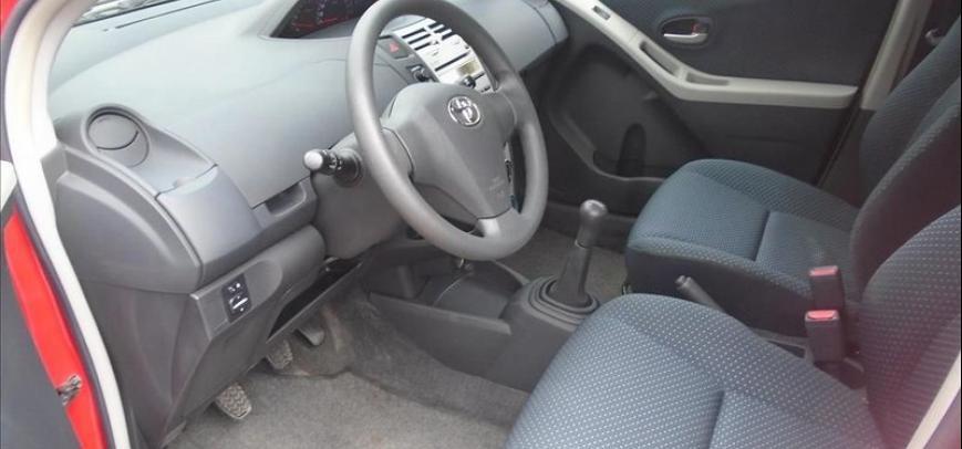 Toyota Yaris 2007 - 11