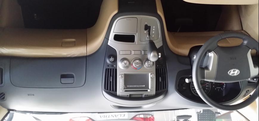 Hyundai G.starex 2015 - 2
