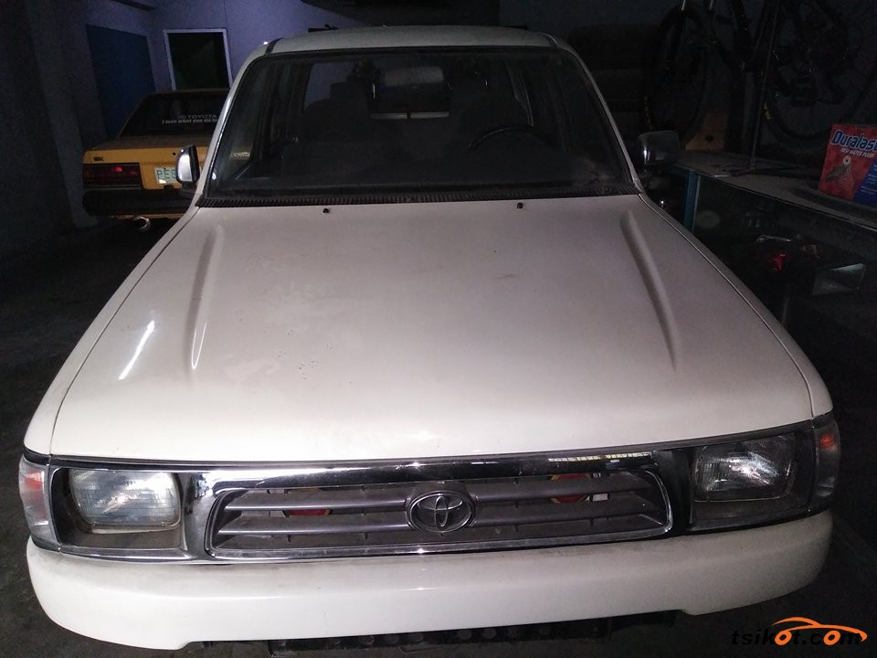 Toyota Hilux 2004 - 9