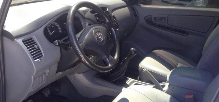 Toyota Innova 2006 - 12
