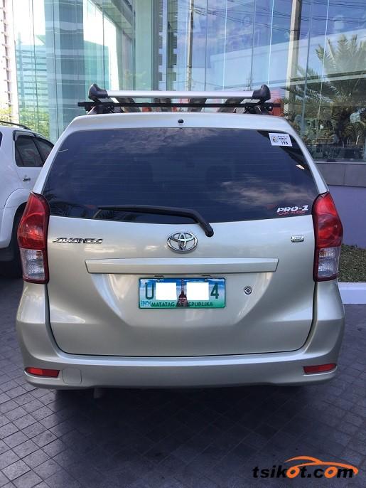 Toyota Avanza 2012 - 3