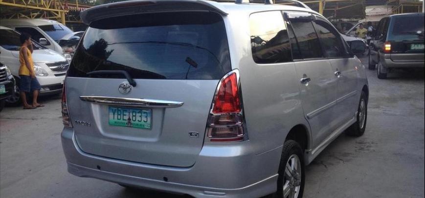 Toyota Innova 2005 - 12