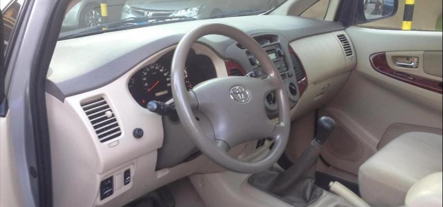 Toyota Innova 2005 - 17