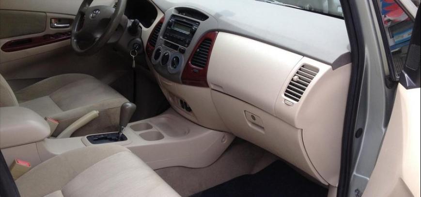 Toyota Innova 2006 - 7