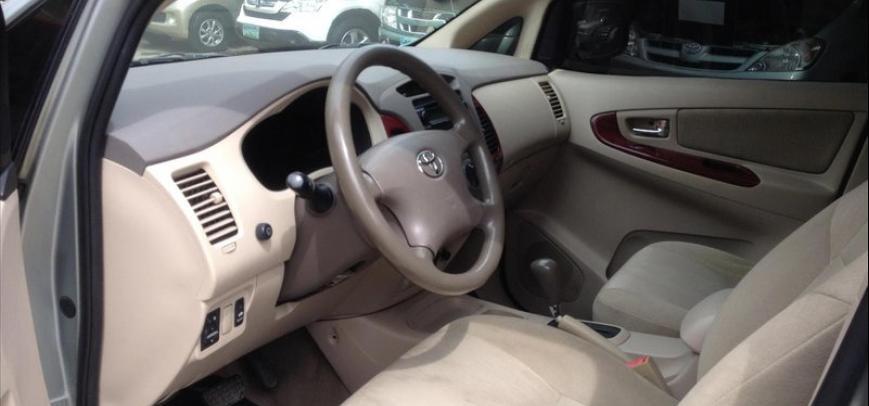 Toyota Innova 2006 - 4
