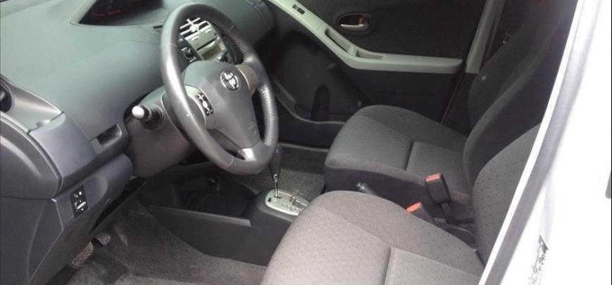 Toyota Yaris 2012 - 6