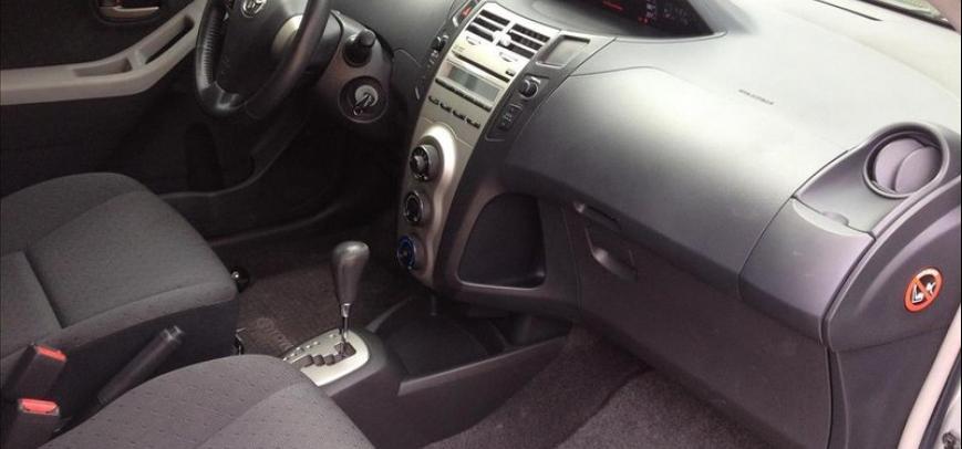 Toyota Yaris 2012 - 8