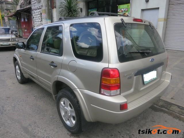 Ford Escape 2004 - 10