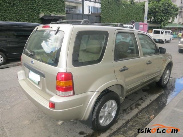Ford Escape 2004 - 8