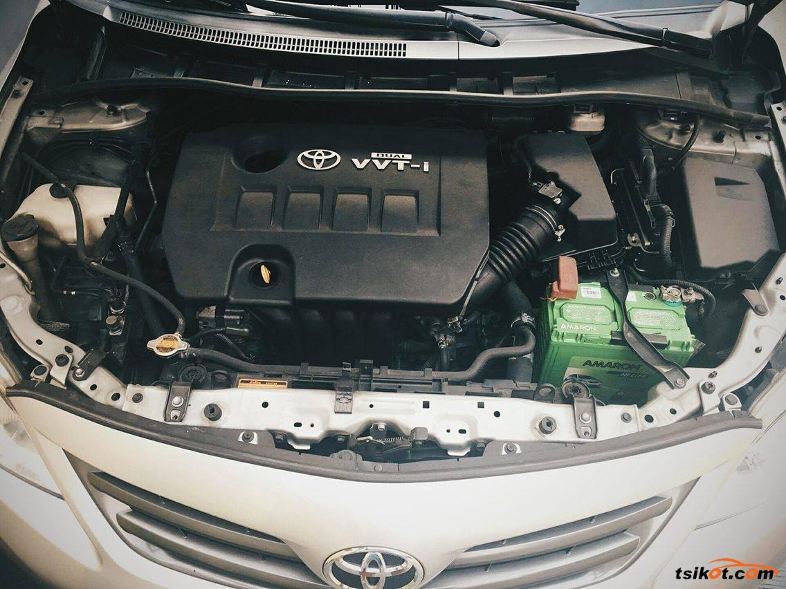 Toyota Corolla 2011 - 5