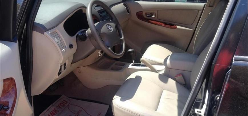 Toyota Innova 2009 - 10
