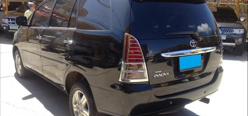 Toyota Innova 2009 - 12