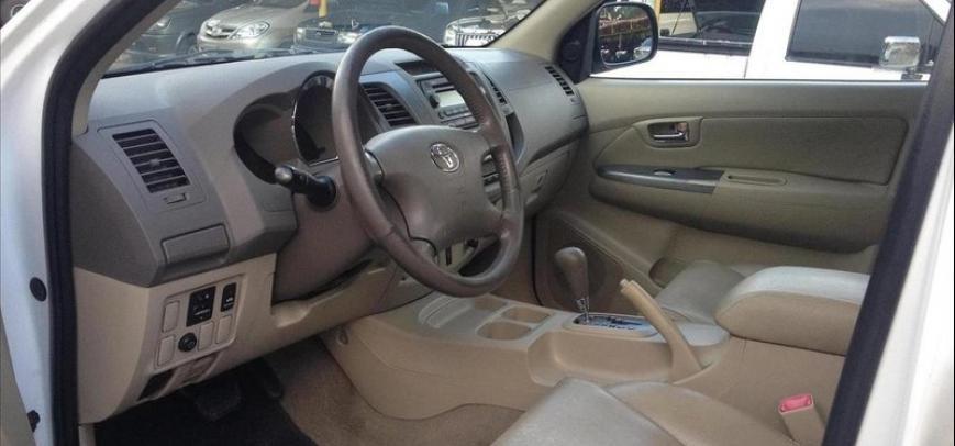 Toyota Fortuner 2006 - 10