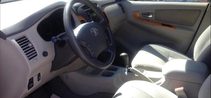 Toyota Innova 2012 - 11