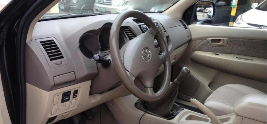 Toyota Hilux 2006 - 10