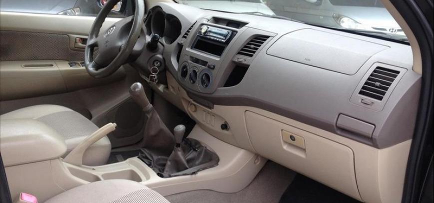 Toyota Hilux 2006 - 9
